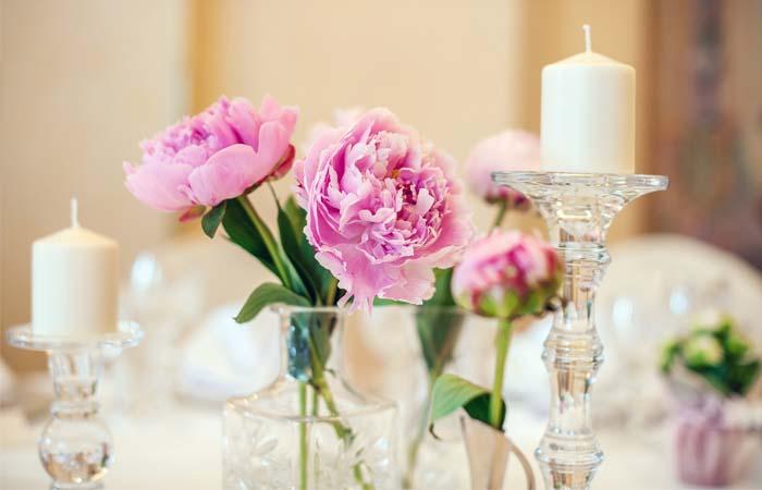 Kiedy zamawiać imienniki na stół weselny?