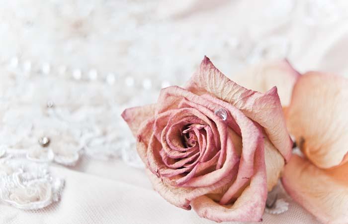 Kompletowanie  zaproszeń ślubnych